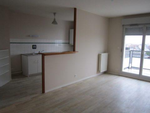 Beau Type 3 (65 m2) avec balcon et garage.